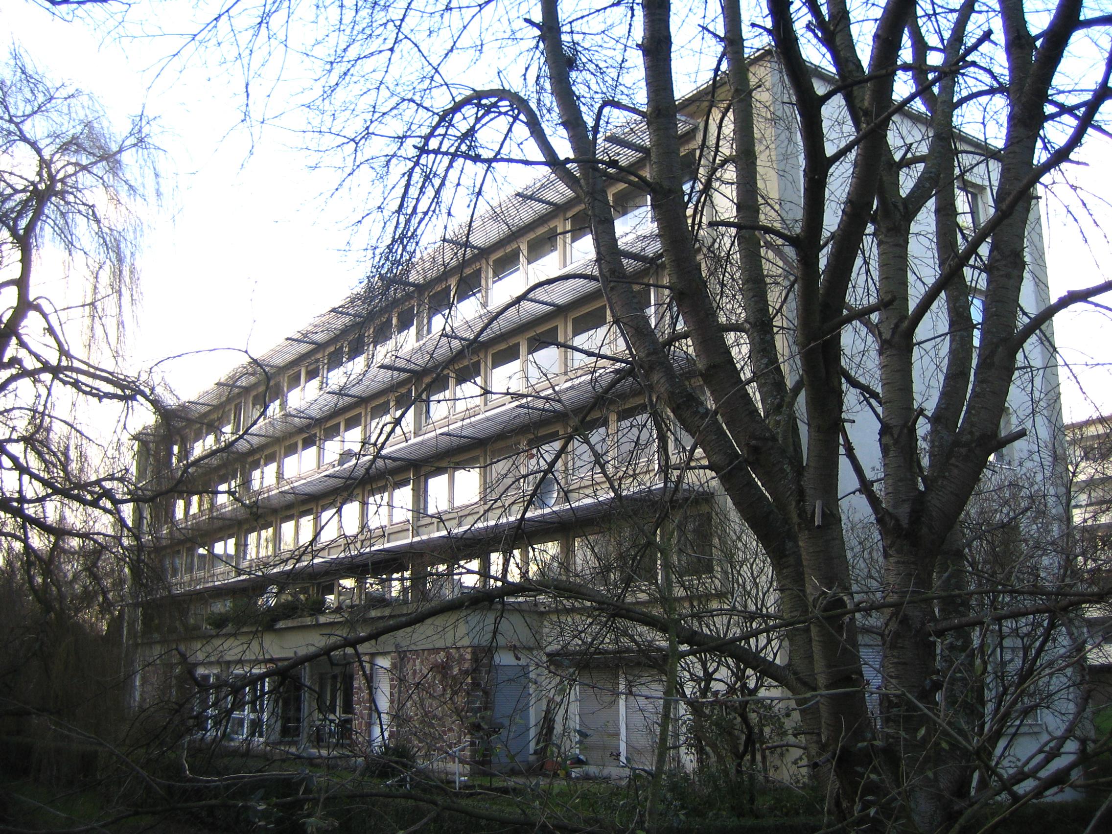 SB Professorenhäuser Außen © Carsten Diez